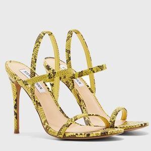 Steve Madden Gabriella heels yelllow snake